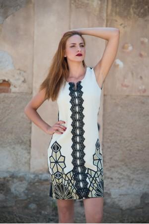 Φόρεμα Μίνι Λούρεξ με Κάθετη Τρέσα