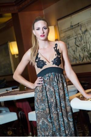 Φόρεμα  Μάξι με Τούλι Μοτίφ